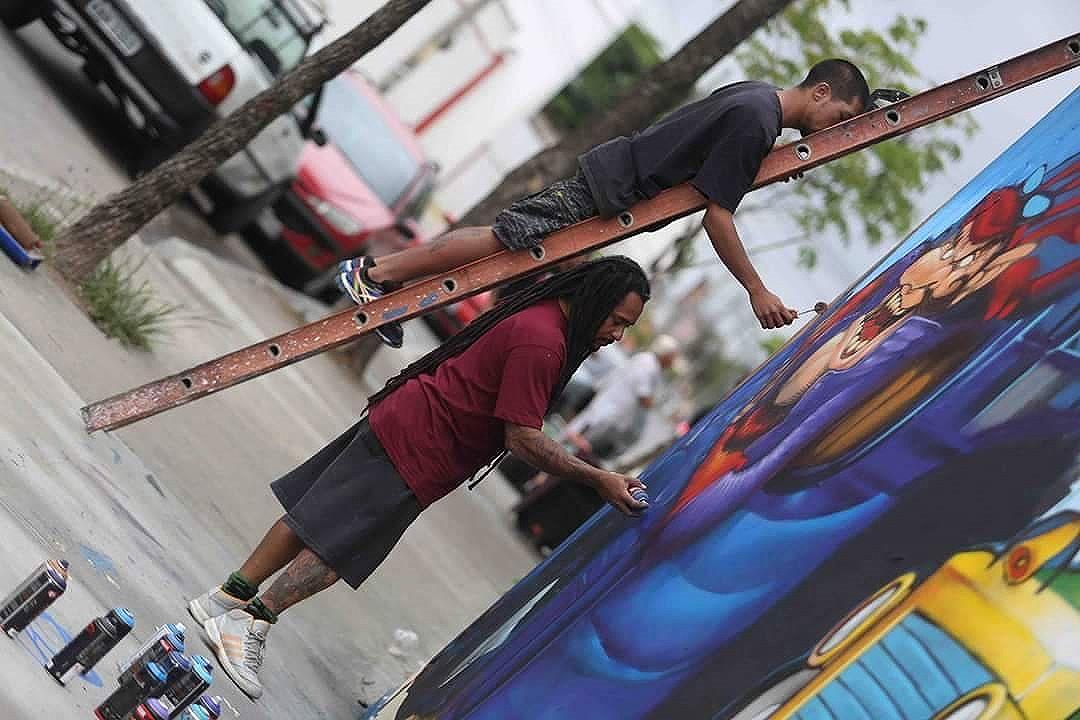 Registro do mestre @madeira_photo no último fds .  #WickedRace #CorridaMaluca #graffiti #graffitiart #streetart #blopa #blopaone #instagrafite #streetartrio #zoteam