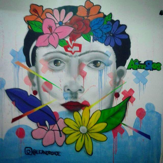 Frida  #fridakhalo #graffiti #lifestyle #globalart #art #streetart #streetartrio #streetart_daily #tv_streetart #illustration #collors #leandroice #feminism #cdd #artemanha #osarteiros