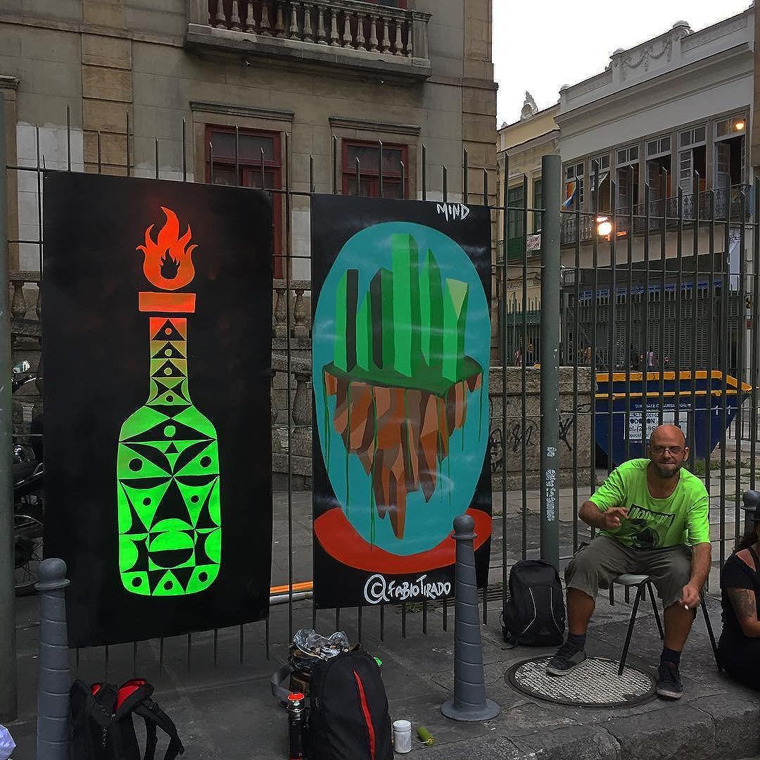 Ocupação do IFICS com os bros @fabiotirado e @betobianchi #ocupaifcs #foratemer #naoapec55 #naoapec241 #molotov #wilbordomina #wilbordominaocupaifcs #streetart #streetartrio