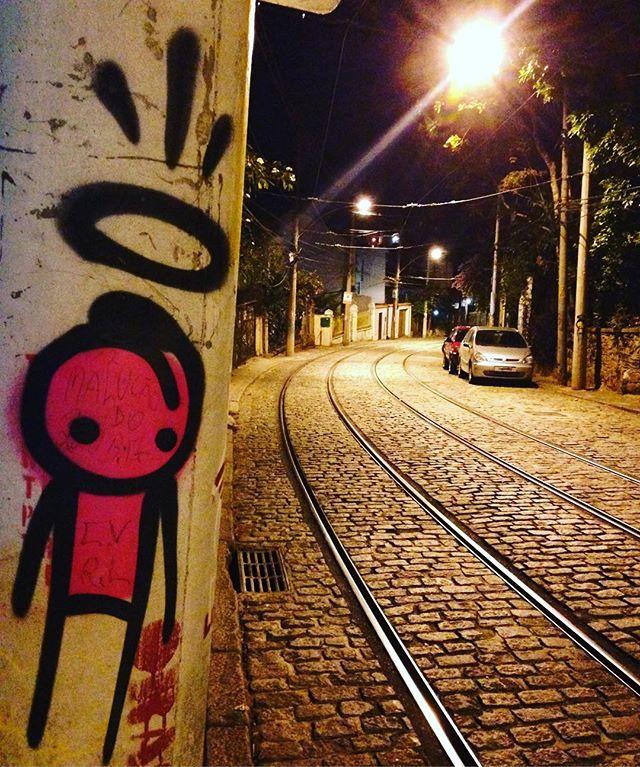 #rio #riodejaneiro #brazil #trip #lapa #santateresa #streetart #streetartrio #art #railway #streetstyle #streetcar #wanderlust #light #lifestyle #frenchinbrazil