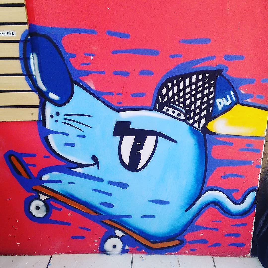 Role de domingo ... #ratimblu #graffiti #puroskate #niteroi #arteurbana #streetartrio #streetart #galeriaurbana #art #ilustração #sk8 #skaet #carrinho