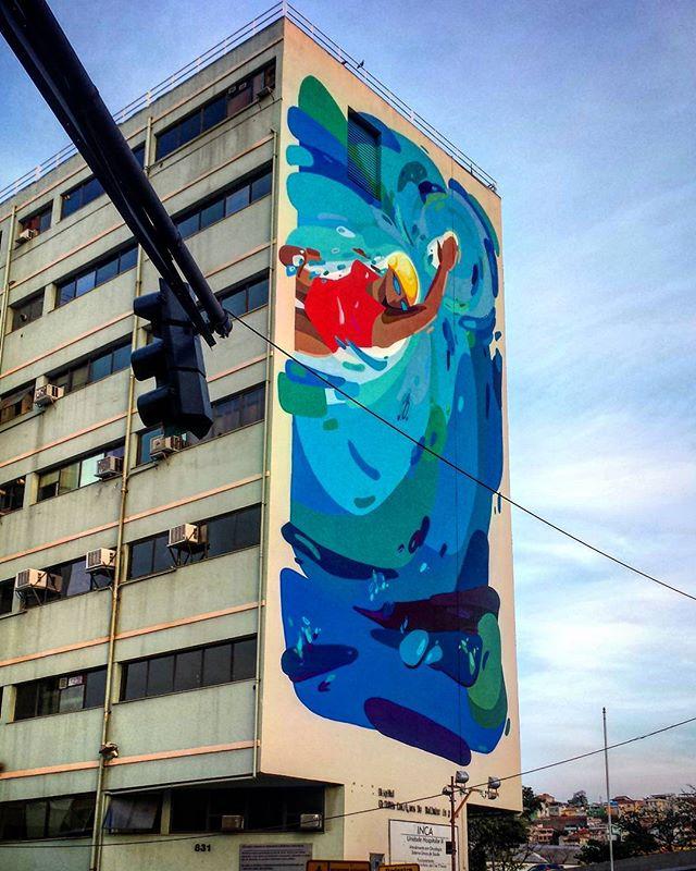 Saindo da rodoviária no Rio o INCA é o primeiro cartão postal. #ArteUrbanaBR  #igersbrazil #ig_brazil #graffitibrazil #mural #wallart #wallporn #tv_streetart #streetart_daily #ig_graffiti #graffiti_clicks #graffitigers #graffitiart #artederua #streetphotography #arte #painting #wallart #inca #urbanart #urbanarteverywhere #streetart #streetartrio #streetarteverywhere #instagraff #igersrio #riodejaneiro #rio #cariocagram #arteverywhere