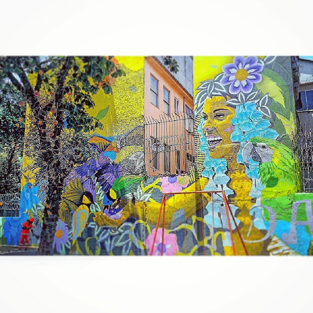 Trabalho do @airaocrespo com auxílio de @zecoaepen para a revitalização da praça do Teatro Ziembinski, na Tijuca, organizada pelo pessoal do @rioeuamoeucuido  #ArteUrbanaBR  #igersrio #riodejaneiro #rio #carioca #cariocagram #igersfollow #artederua #teatro #teatroziembinski #Tijuca #tijukistão #urbanart #urbanarteverywhere #streetart #streetartrio #tv_streetart #arteverywhere #art #citiesofhope #artecallejero #grafite #arteurbana #painting #muros #mural #wallart #wallporn #praça #SãoFranciscoXavier