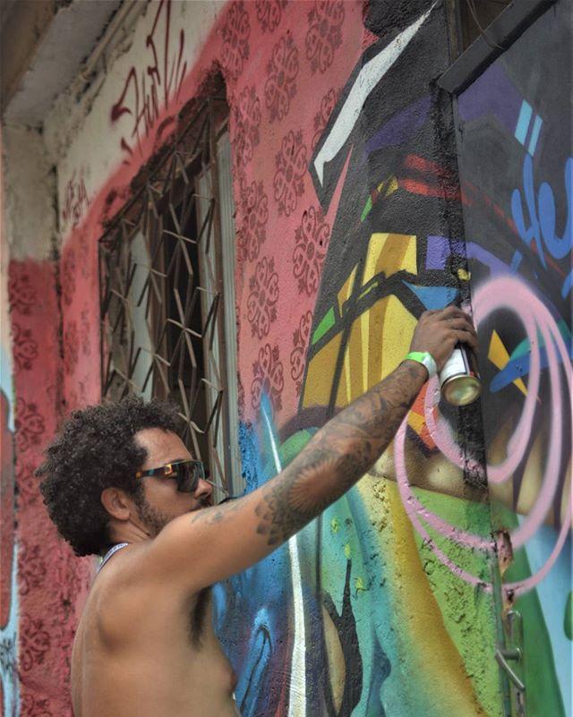 @meetingofavela #graffitiart #graffitiartrio #graffiti #meetinfoffavela10anos #mof10 #mof2016 #streetartrio #streetart #urbanart #artederua #arteurbana #colors #cores #brasil #graffitibrasil #streetartphotography #graffitiartphotography #nikon