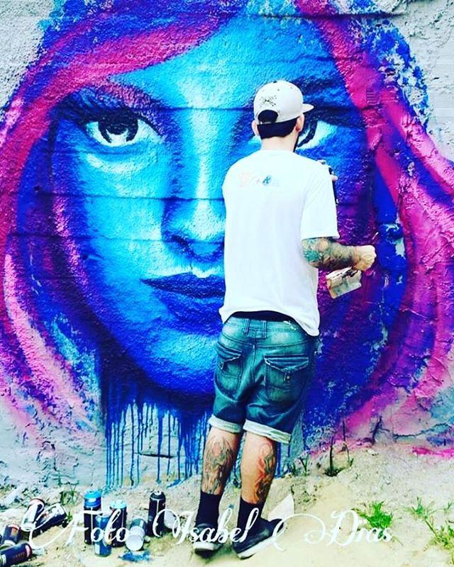 #alexmothe #streetphotography #streetphotographers #ofantasticomundodografite #streetartrio #streetartist #streetstyle #streetartrio #graffirio #spraywall #sprayart #aerosolart #be_one_urbanart #graffiti_of_our_world #streetartglobal #riodejaneiro #graffitiporn #graffitiartist #graffittiwall #graffiticarioca #livepainting