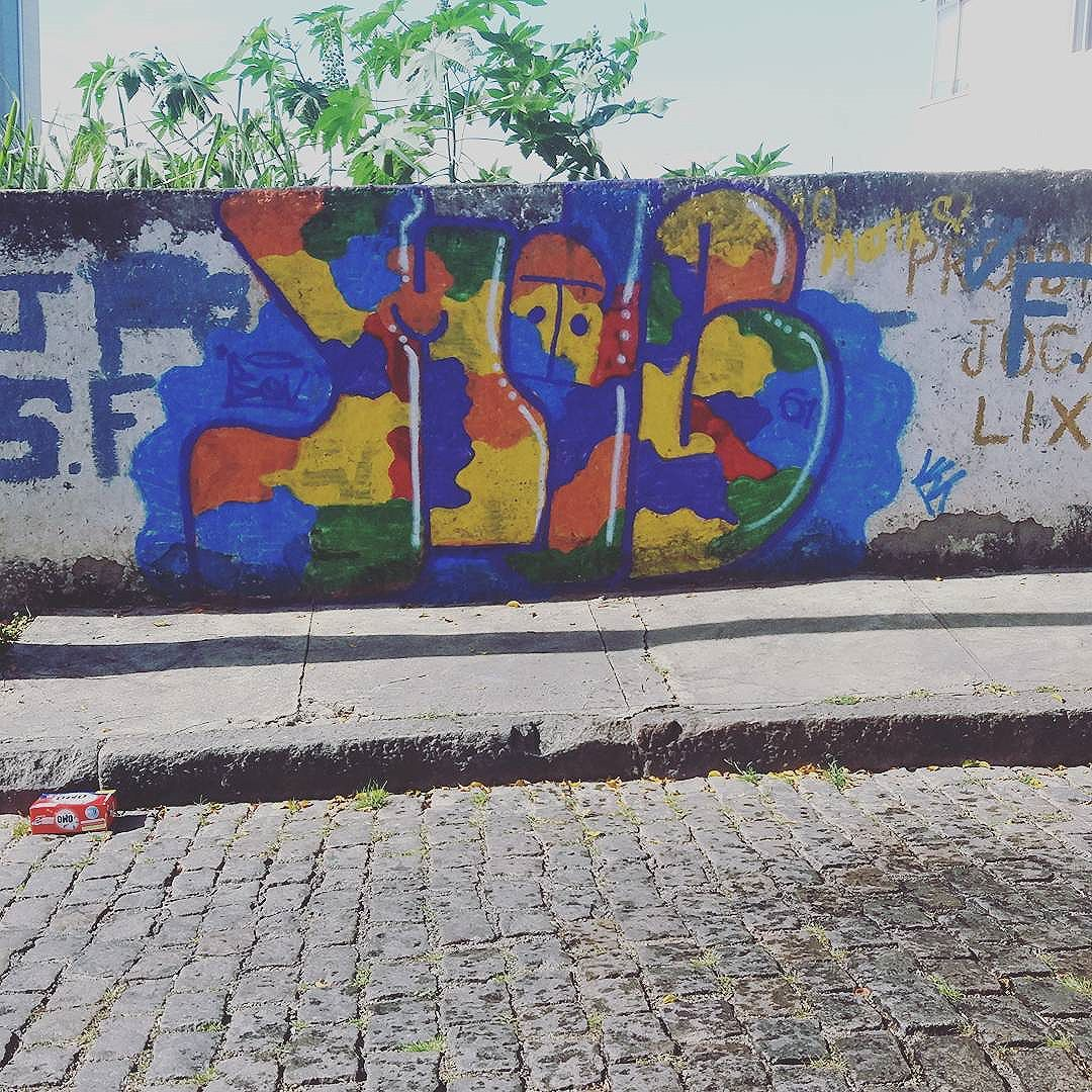 avança se tiver coragem!! #MurdocVive #semprecalmo #fazo61 #MurdocFantastic #bdkrew #bdkria #local #familiaagradece #progressoprosnossos #cheirodetintanoar #rjtags  #artederua #arteurbana #streetart #streetartrio #urbanart #instagraffiti #graffiti #grapixo #errejota #zonanorte #zonalsul #riodejaneiro #culturaderua #santocristo #mp #ilovemp #cria