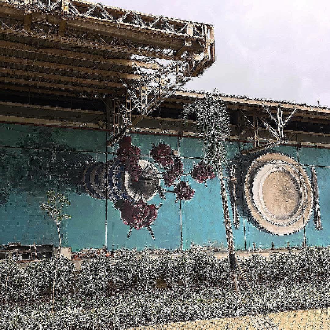 Compartilhado por: @tschelovek_graffiti via #StreetArtRio | Mais detalhes da obra, local e artista em: streetartrio.com.br #streetstyle #streetart #streetphotography #streetphoto #streets #art #arte #artstagram #artlife #artista #arteurbana #artistic #instagood #instaartist #instaday #insta #instaart #instaartist #uban #urbanstyle #urbanart #urbanwalls #rj #riodejaneiro #errejota