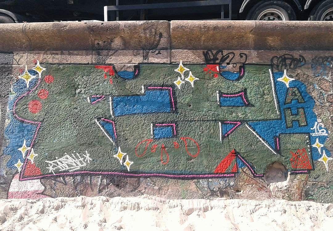 De Natal! #far #farah #letters #latex #piece #arpex #graffiti #streetartrio #riodejaneiro #praia #arpoador #natal #letras