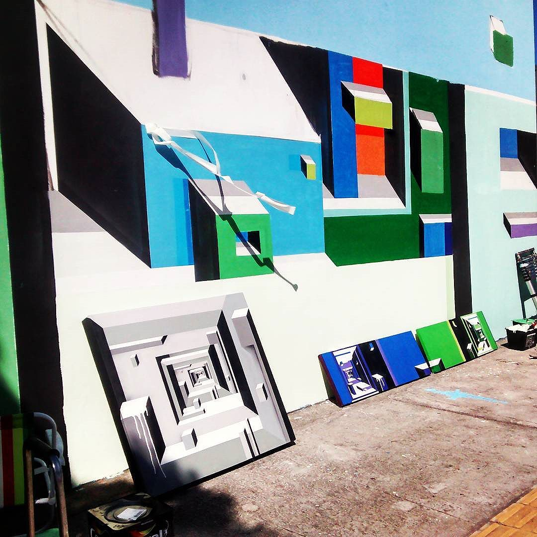 Expondo na rua.  #mariobands #bands #artistainterventor #artistasurbanoscrew #classeD #arteurbana #artederua #streetstyle #streetartrio #art #artecontemporanea #muralista #muralista #geometricoabstrato #geometrico #instagrafite