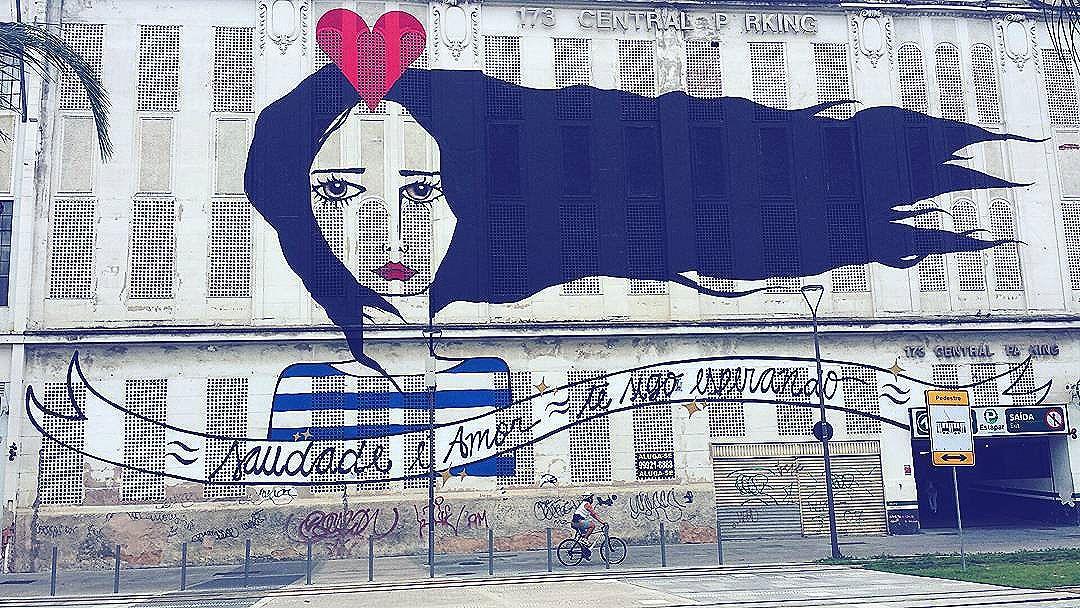 Fiz essa foto no Boulevard Olímpico. É um dos grafites que mais chamam a atenção por lá. E olha que não faltam grafites incríveis por lá!  #ArteUrbanaBR  #boulevardolimpico #portomaravilha #Rio #carioca #cariocagram #cariocapics #igersfollow #vejario #streetphotography #arte #colorful #grafite #arteurbana #urbanart #urbanarteverywhere #streetart #streetartrio #streetarteverywhere #tv_streetart #streetart_daily #arteverywhere #021 #RioDeJaneiro #brarts #brstreet #rio450 #rio365