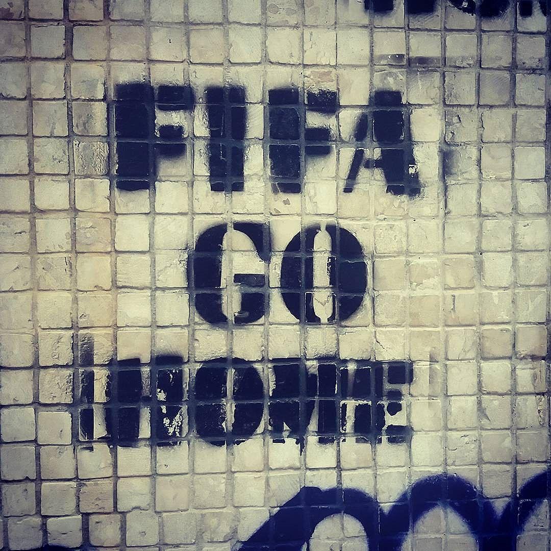#grafittinoriodejaneiro #stencilartrio #streetartinrio #streetartinrio #streetartrio #papodecarioca #nomuro