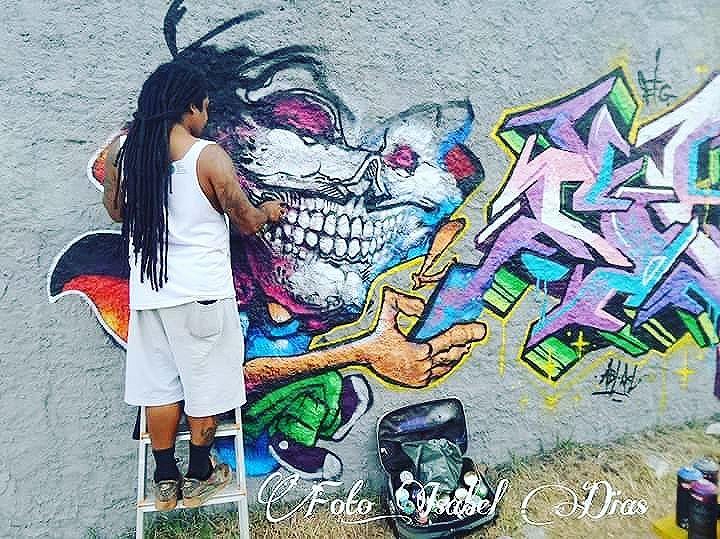 #leandroraios #raios #zoteam #xurras #graffirio #graffiticarioca #streetartrio #arteurbana #streetartist #sprayart #aerosolart #be_one_urbanart #graffiti_of_our_world #streetartglobal #riodejaneiro #graffitiporn #graffitiartist #graffittiwall #streetartrio #graffiticarioca #street_art_community