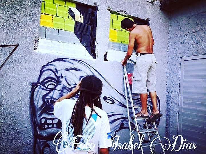 #mariobands #bands #wallacebidu #streetartrio #streetartist #graffirio #graffiticarioca #riodejaneiro #sprayart #aerosolart #be_one_urbanart #graffiti_of_our_world #streetartglobal #riodejaneiro #street_art #streetartist #arteurbana #streetphotography #streetphotographers #ofantasticomundodografite #wallporn #zoteam #livepainting