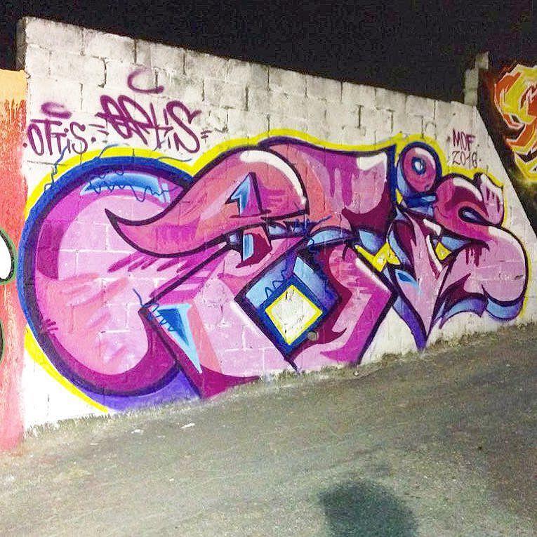 Minha contribuição pro muro do Pre MOF - Edição 10 anos! Mt bem recebido! Um enormee salve aos manos @marciobunys e @kajaman !! Evento foi foda! #mof #mof11 #mof10anos #MeetingOfFavela #graffiti #art #arte #streetartrio #streetartrj