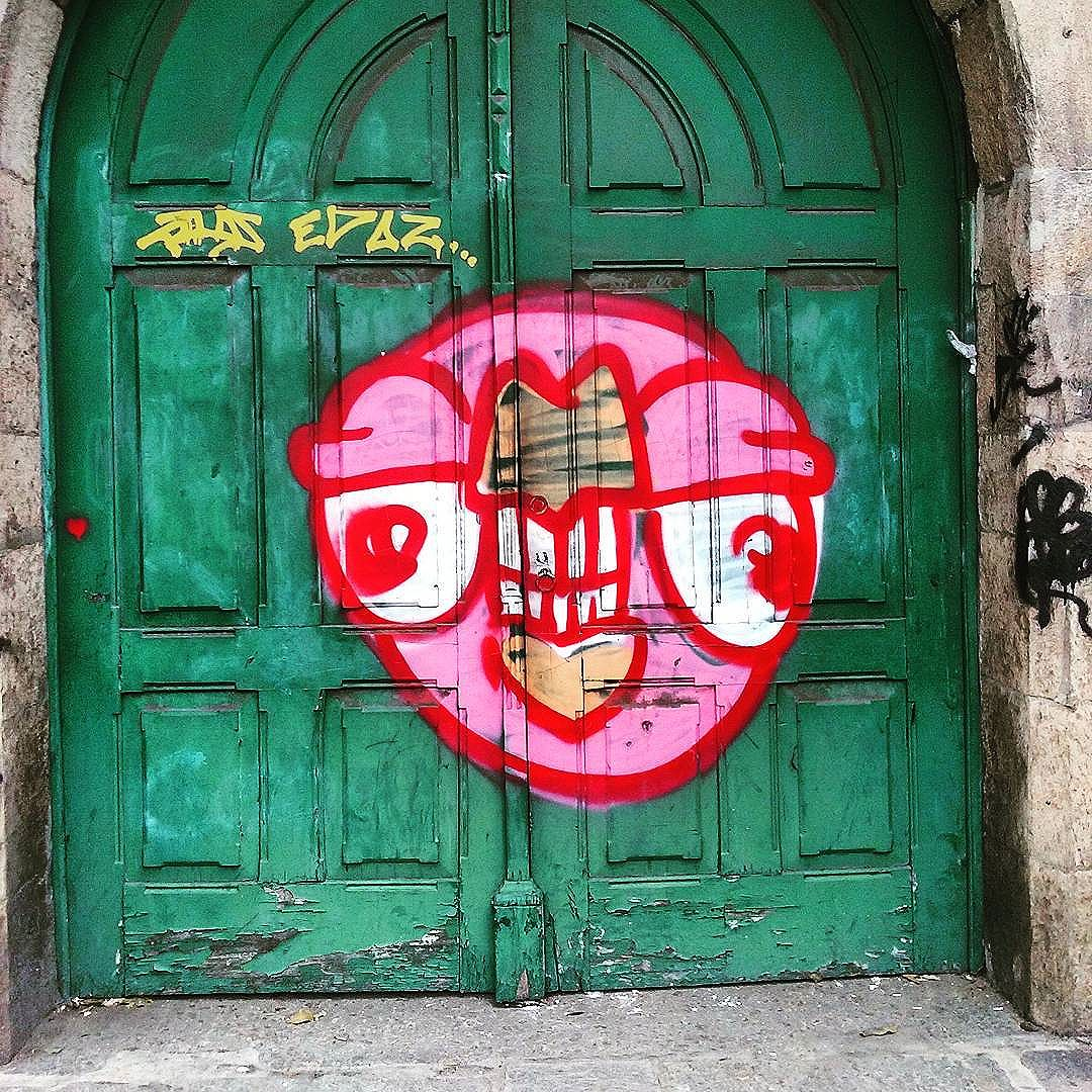 Na porta do antigo convento Rua Primeiro de Março  Centro #StreetArtRio  #grafittinoriodejaneiro