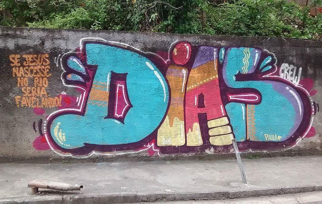 por: #DIASCREW • #rjvandal #streetartrio #streetart #graffiti #graffitiart #art #riodejaneiro #tags #tagsandthrows #throwsup #throwsupz #bombing #bomb #grafite #artist #artoftheday #arteurbana #rj #urbanart #artederua #rua #graffitiwall #sprayart #vandal #galeriaceuaberto #olheosmuros #bombingbrasil #graffitirio #art #makeart