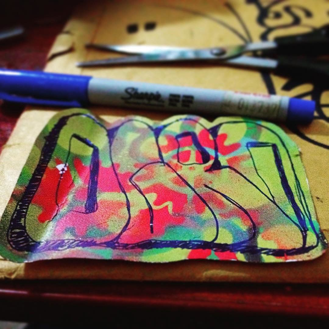 #StickersTerapia Vem ae...festa de fim de ano da Rjstickers!  #rjstickers #24bar7 #confrariadocharpi #vandalrj #stickerart #stickerporn #handstyle #freehand #grapixo #stickerbomb #streetart #artederua #urbanart #arteurbana #streetartrio #slaps #slapstagram #5521  #hellomynameis  #tagsandthrows #ogro27 #stickers #instastickers #ogrostickers