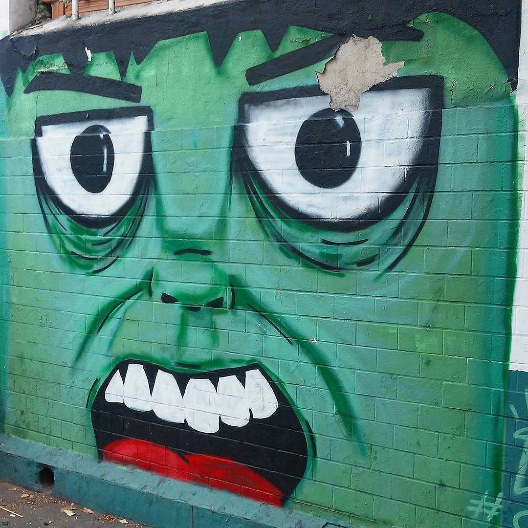 #streetart #streetartrj #streetartrio #urbanart #urbanwalls #wallart #arturbain #artderue #artecallejero #arteurbana #artederua #artenarua #graffiti #graffitiart #graffitiporn #graffitirj #instagraffiti #grafite #grafiterj #instagrafite #wall #muro #mur #hulk #thehulk #vilaisabel #vilaisabelrj