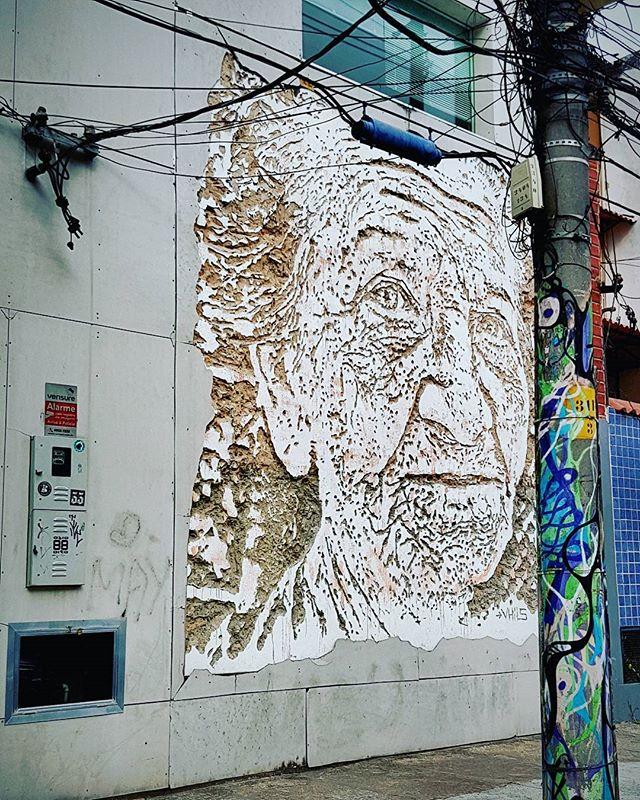 Tô de olho... #streetart #streetartrio #artederua #021 #urbanart