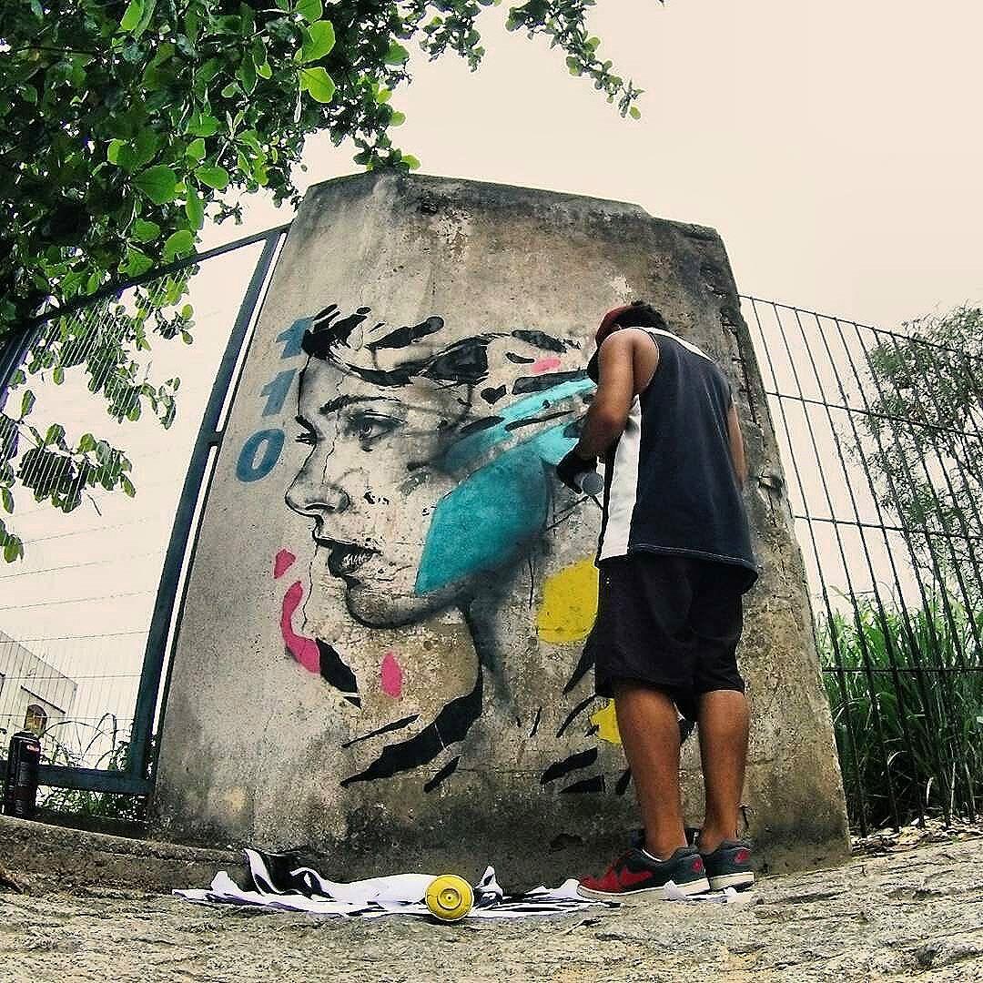 Trabalho do @pablomalafaia ・・・ Olhe os muros, valorize a arte, fortaleça o movimento. Use #CamposStreetArt ・・・ Crédito ao artista: é o artista ou conhece quem fez a arte? Comenta ai! ・・・ #Arte #Graffiti #streetart #artederua #artenarua #olheosmuros #asruasfalam #graffitiart #instagraffiti #streetarteverywhere #streetartphotography #streetartrio #streetartist #streetartbrazil #graffitilifestyle #graffitiart #tintanaparede #CamposCity #CamposRJ  #camposdosgoytacazes #RJ #streetphoto_brasil #vozesdacidade #streetfiles #libertesuamente #globalstreetart #streetart_daily #notbanksyforum #arteurbanabr