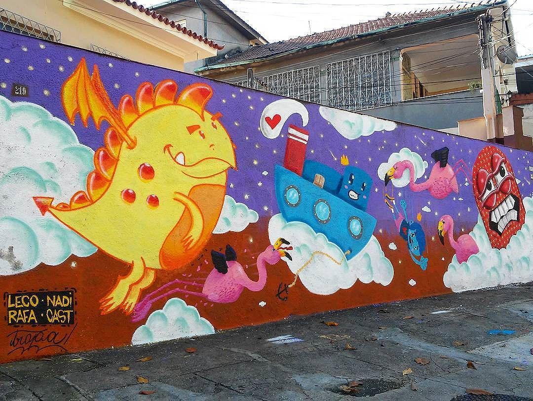 @trapacrew @lecograffiti @nadigraffiti @castleonardo @rafaelgeraldo #trapacrew #nadigraffiti #castleonardo #rafaelgeraldo #lecograffiti #streetart #StreetArtRio #streetartrj #urbanart #urbanwalls #wallart #arturbain #artderue #artecallejero #arteenlascalles #arteurbana #artederua  #graffiti #graffitiart #graffitiporn #instagraffiti #grafite #grafiterj #instagrafite