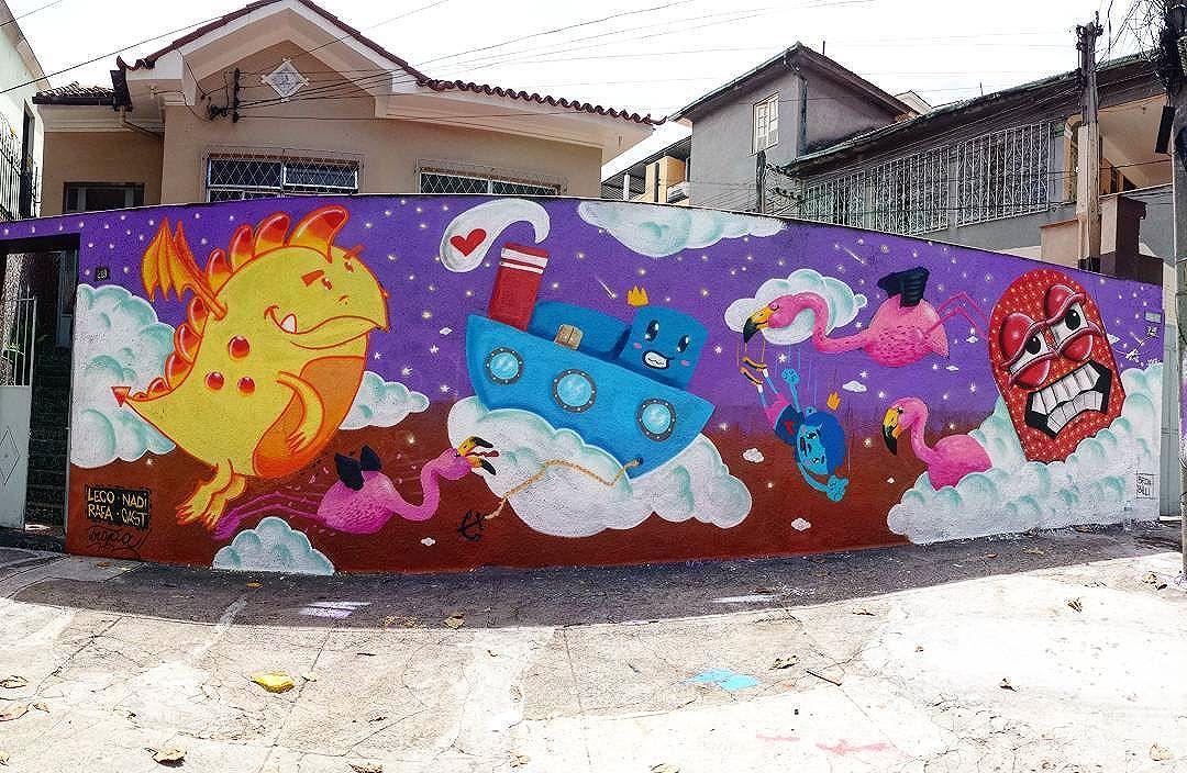 Acabou é tetra!!! #trapacrew #streetartrio #streetartrj #flamingo #flamingos #flamenco #oamorerosa #tijuca #graffiti #grafite #graff #graffitiporn #street #colorful #wall #city #urban #spraydaily #граффити #spraycanart #sprayart #graffity #adorofarm #streetart #rafagraffiti #rafa