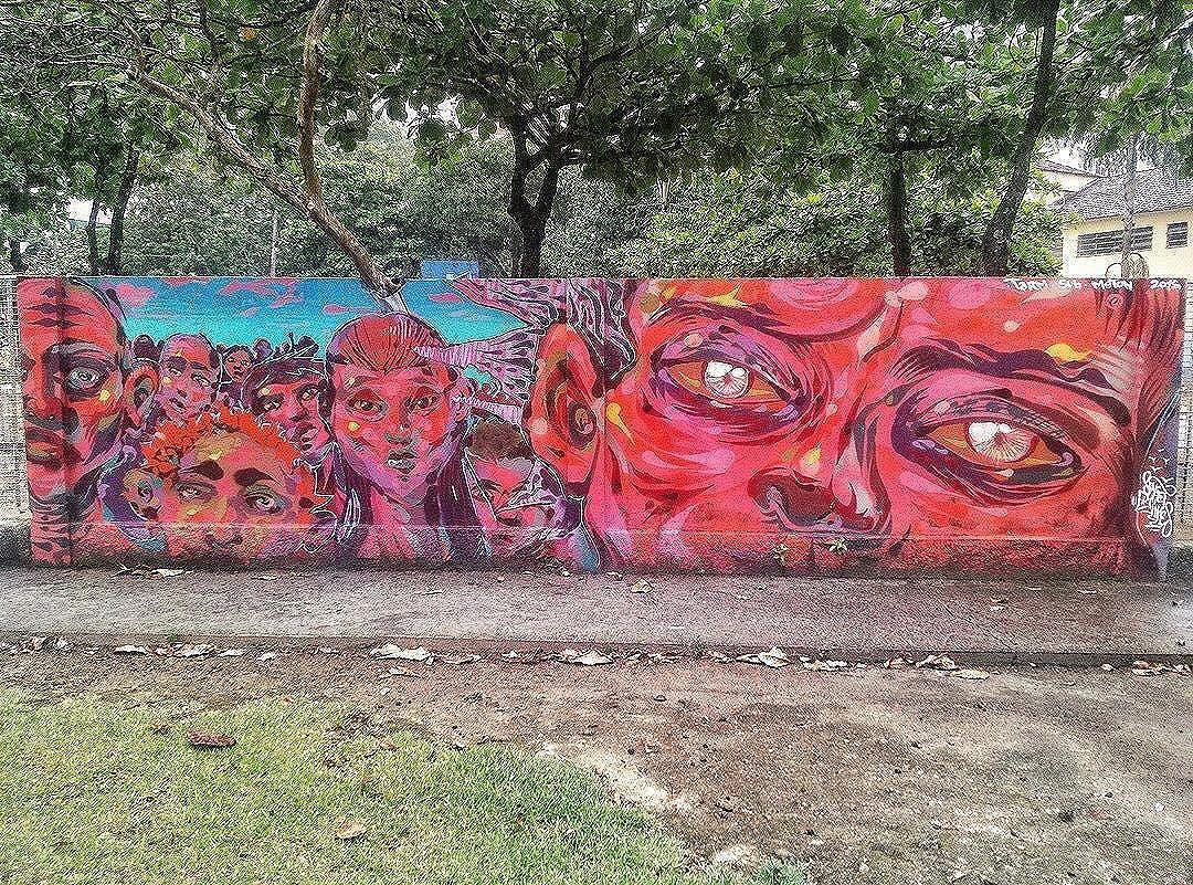 Compartilhado por: @grafiterio via #StreetArtRio | Mais detalhes da obra, local e artista em: streetartrio.com.br #streetstyle #streetart #streetlife #streetphotography #streetworkout #streets #art #artstagram #graffiti #graffitiporn #graffiticulture #graffitiart  #rj #instaart #instaartist #rio #errejota