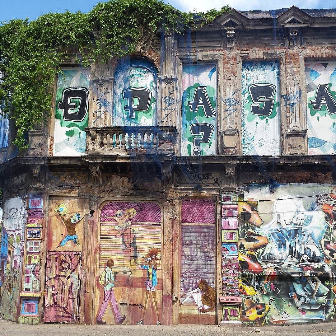 Lapa  #olharever #pelasruasdoriodejaneiro #art #artepelasruas #pintura #paint #paintart #graffiti #graffitiart #graffitipaint  #spray #sprayart #sprayartist #streetartverywhere #streetartlovers #instagrafite  #streetartrio #StreetArtRio #streetartofficial #streetstyle #streetartistry #streephotography #urban #urbanart #urbanstreetart #mural #muralart