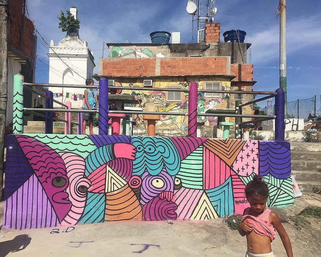 MastCora X Kids from @casaamarelaprovidencia #casaamarela #casaamarelaprovidencia #favelagrafia #streetart #streetartrio #graffiti #streetartnews #streetartandgraffiti #riodejaneiro #mast #mastcora
