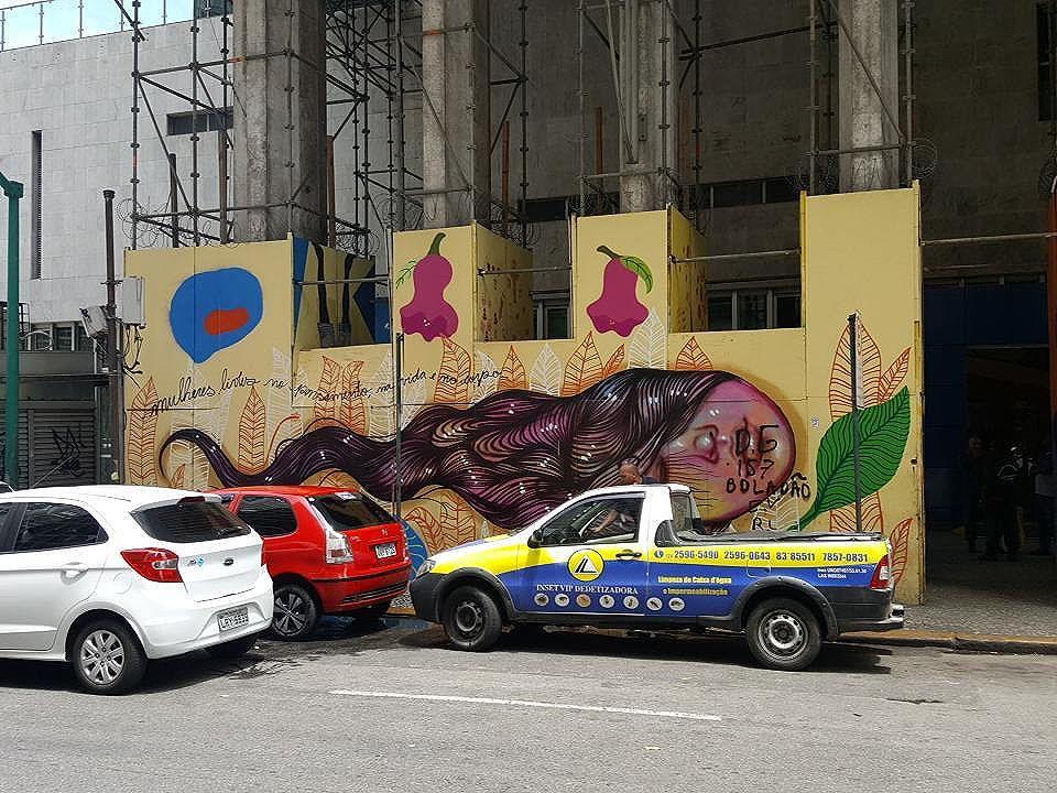 Mulheres livres no pensamento,na vida e no corpo #panmelacastro  #olharever #pelasruasdoriodejaneiro # #lapa #art #artepelasruas #pintura #paint #paintart #graffiti #graffitiart #graffitipaint  #spray #sprayart #sprayartist #streetartverywhere #streetartlovers #instagrafite  #streetartrio #StreetArtRio #streetartofficial #streetstyle #streetartistry #streephotography #urban #urbanart #urbanstreetart #mural #muralart