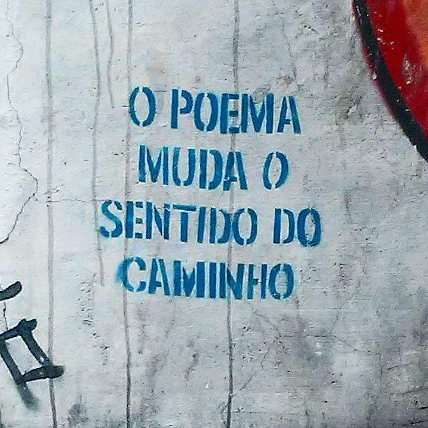 #murosquefalam #olheosmuros #oqueasruasfalam #aruafala #frasesurbanas #streetart #streetartrio #streetartrj #urbanart #urbanwalls #wallart #arturbain #artderue #artecallejero #arteenlascalles #arteurbana #artederua #graffiti #graffitiart #graffitiporn #instagraffiti #grafite #grafiterj #instagrafite #tijuca #tijucarj