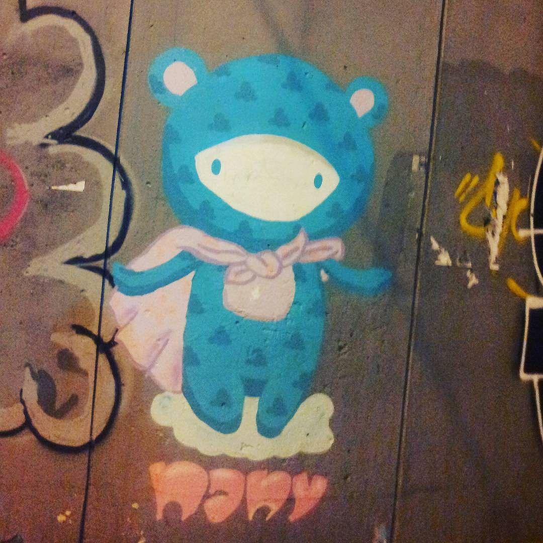 #nany #hellokity #streetphotography #streetphotographers #ofantasticomundodografite #wallporn #sprayart #aerosolart #be_one_urbanart #graffiti_of_our_world #streetartglobal #riodejaneiro #graffitiporn #graffitiartist #graffittiwall #graffitilife #streetartrio #streetartist #streetstyle #arteurbana #artistaurbano #botafogo #urbanart
