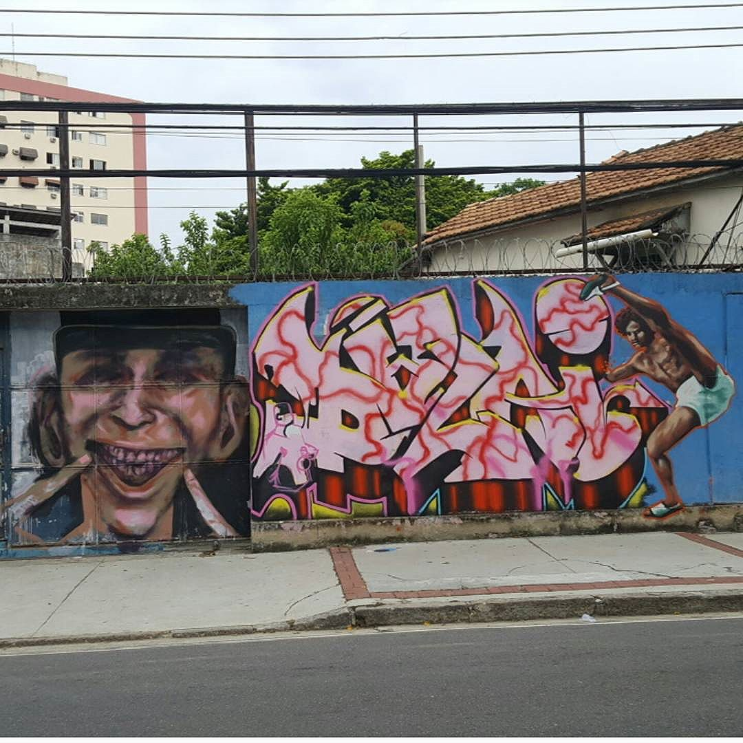 #olharever #pelasruasdoriodejaneiro #art #artepelasruas #pintura #paint #paintart #graffiti #graffitiart #graffitipaint  #spray #sprayart #sprayartist #streetartverywhere #streetartlovers #instagrafite  #streetartrio #StreetArtRio #streetartofficial #streetstyle #streetartistry #streephotography #urban #urbanart #urbanstreetart #mural #muralart