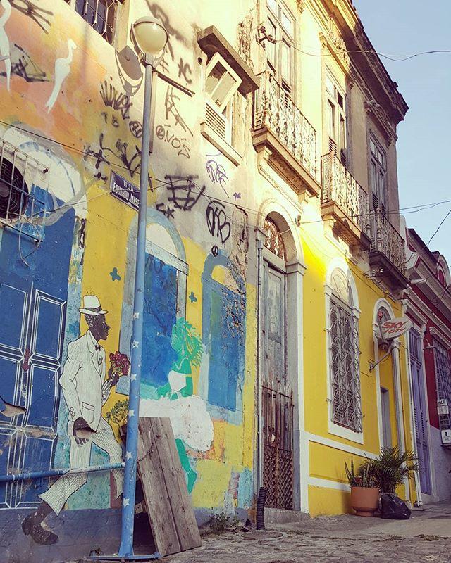#olharever #pelasruasdoriodejaneiro #art #artepelasruas #pintura #paint #paintart #graffiti #graffitiart #instagrafite #spray #sprayart #sprayartist #streetartrio #StreetArtRio #streetart #streetstyle #streetstyle #streephotography #stredowntown #mural #muralart  #urban #urbanart