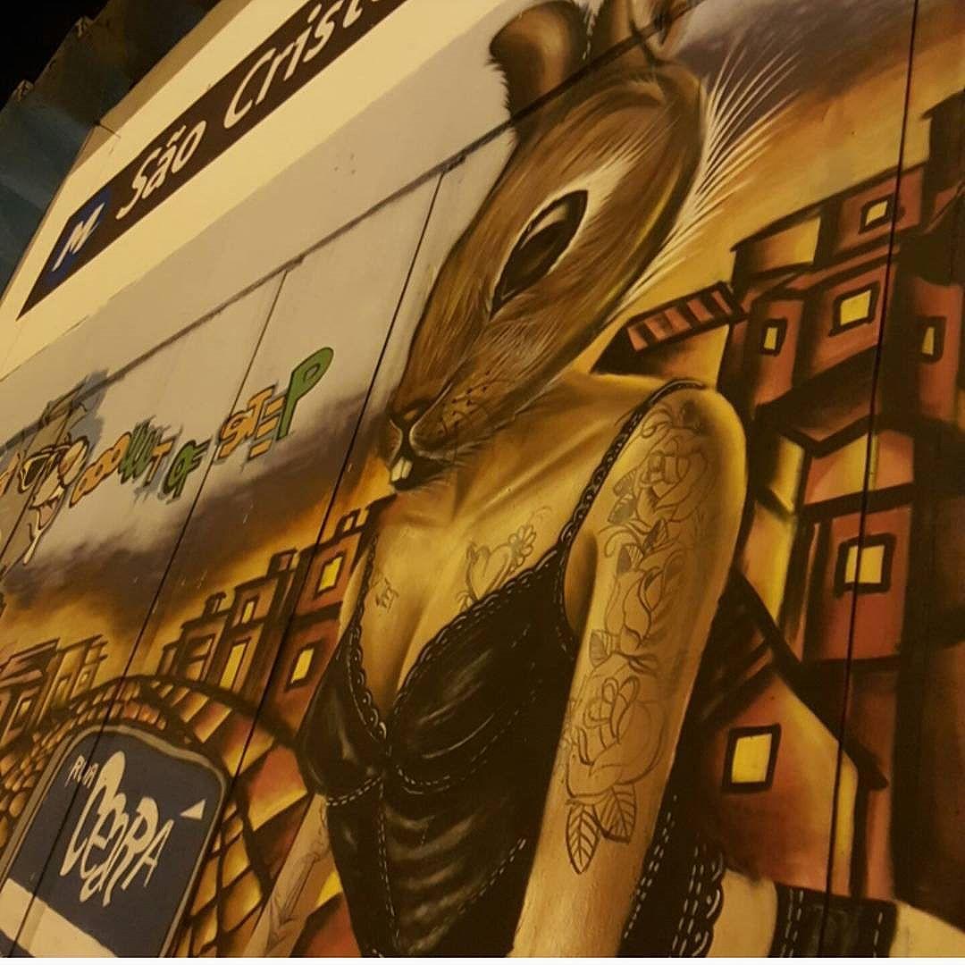 #olharever #pelasruasdoriodejaneiro #art #graffiti #graffitiart #pintura #paintart #spray #sprayart #sprayartist  #artepelasruas #streetart #streetstyle #streetartistry #sprayart #instagrafite #streetartrio #StreetArtRio #instagrafite #mural #muralart  #urban #urbanart #streephotography