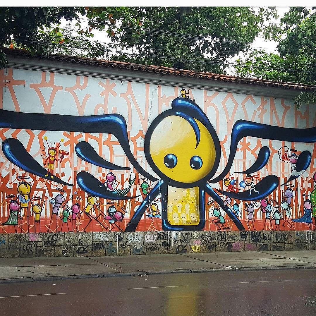 #olharever #pelasruasdoriodejaneiro #art  #pintura #graffiti #graffitiart #spray #sprayart #sprayartist  #paintart #artepelasruas #streetart #streetstyle #streetartistry #sprayart #streetartrio #StreetArtRio #streephotography #muralart #urban #urbanart