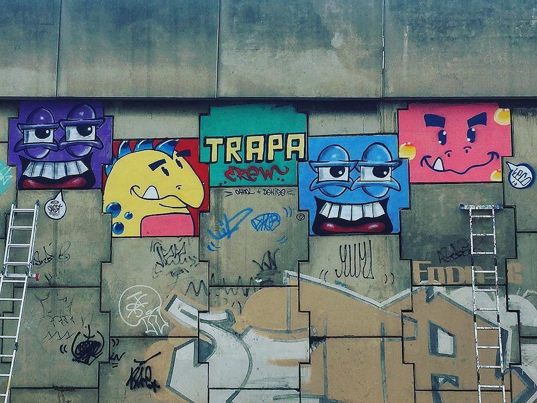 Pro alto e avante! #grafiterj #graffiteiros #vamoscolorirorio #grafitti #graffitirio #trapa #proaltoeavante #maiscorporfavor #streetartrio