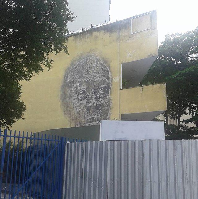 RUAS 24 . . .  #graffiti #art #artederua #negros #raizes #historia #cultura #martinlutherking #zumbi #wall #parede #rio #zonasul #brasil #brazil #streetartrio