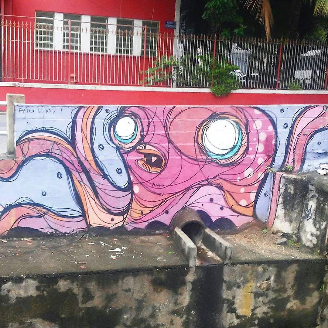 #streetart #StreetArtRio #streetartrj #urbanart #urbanwalls #wallart #arturbain #artderue #artecallejero #arteenlascalles #arteurbana #artederua #graffiti #graffitiart #graffitiporn #instagraffiti #grafite #grafiterj #instagrafite #polvo #octopus #poulpe #tijuca #tijucarj