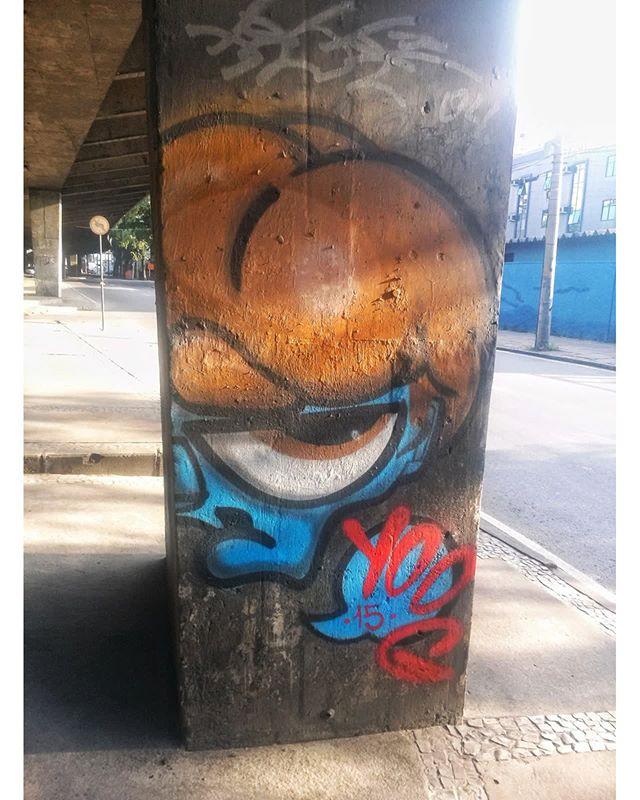 #StreetArtRio  Grafite debaixo do Elevado Paulo de Frontin, entre as ruas Joaquim Palhares e Santa Amélia, no Estácio.  Artista: Yoog (@isaacyoog) Tirada em 25/03/2016 ____________________________________  Quer conhecer mais obras deste artista e de tópicos relacionados? Explore mais em: #g021_yoog
