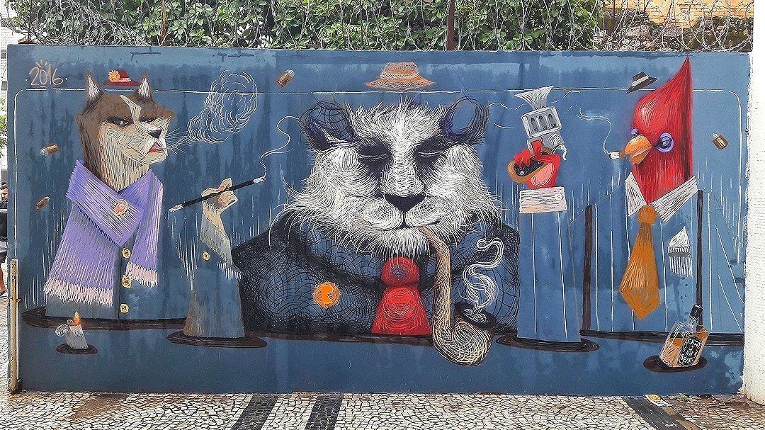 #StreetArtRio  Grafite na avenida Henrique Valadares, entre a Praça da Cruz Vermelha e a rua Ubaldino do Amaral, no Centro.  Artistas: Cazé (@cazearte) e Spam (@viniciusspam) Tirada em 14/01/2017 ____________________________________  Quer conhecer mais obras destes artistas e de tópicos relacionados? Explore mais em: #g021_caze #g021_spam