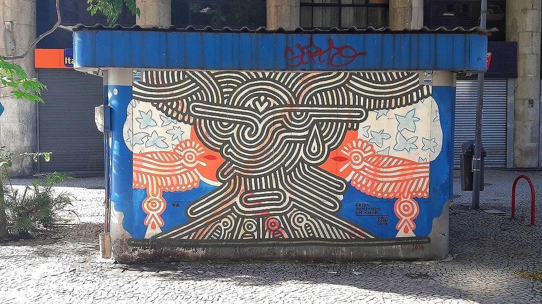 #StreetArtRio  Grafite na avenida Nilo Peçanha, próximo à esquina com a Avenida Rio Branco, no Centro. Artista: Vida One Love (@vidaonelove) Tirada em 14/01/2017 ____________________________________________  Quer conhecer mais obras deste artista e de tópicos relacionados? Explore mais em: #g021_vidaonelove