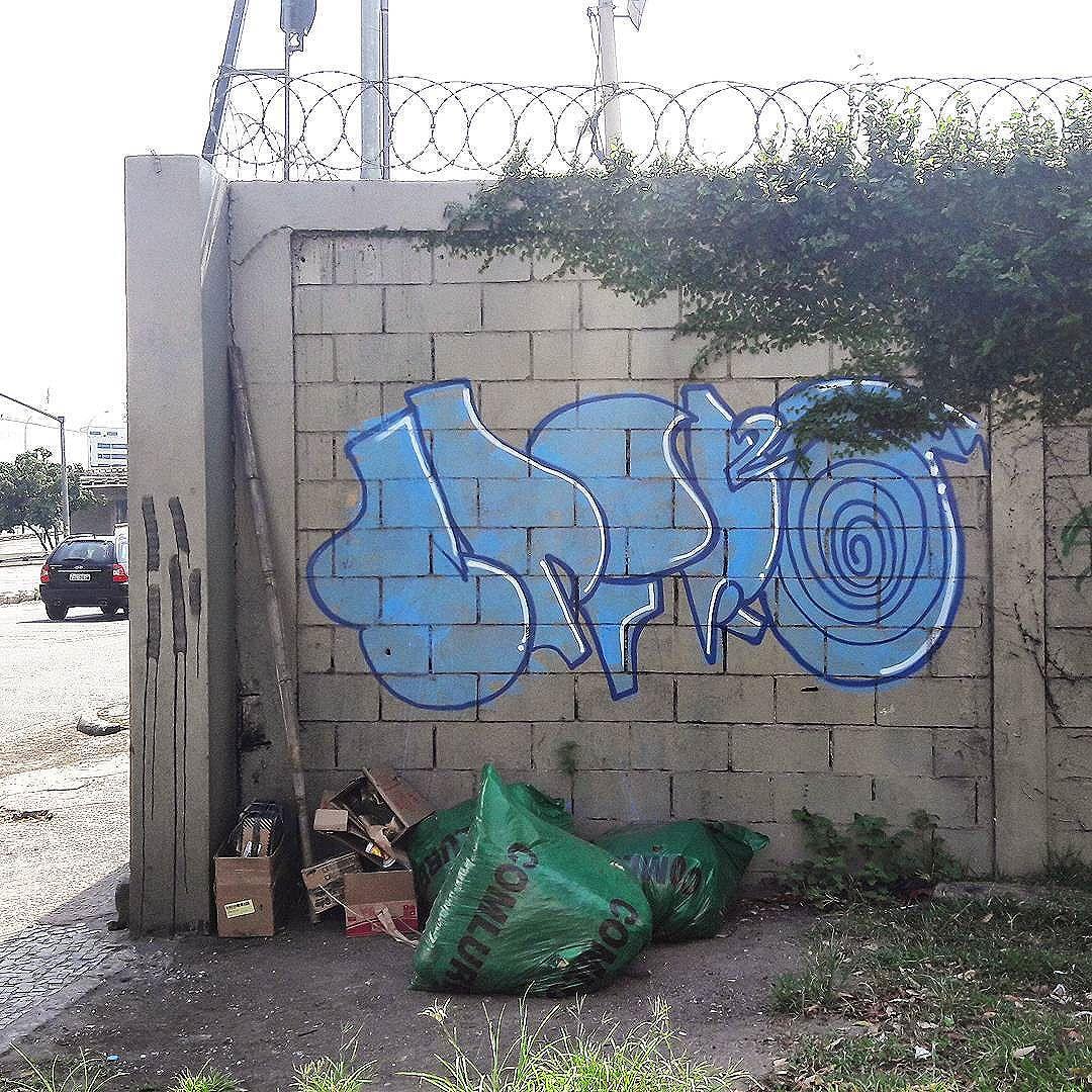 #StreetArtRio  Grafite na avenida Presidente Vargas, próximo à Prefeitura, na Cidade Nova.  Artista: Spirro ( #spirro)  Tirada em 11/01/2017  ________________________________________________  Quer conhecer mais obras deste artista e de tópicos relacionados? Explore mais em: #g021_spirro #g021_不明