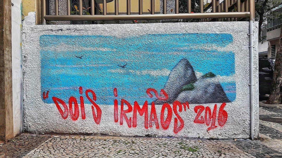 #StreetArtRio  Grafite na rua Buarque de Macedo, entre a Praia do Flamengo e a Rua do Catete, no Flamengo. Artista: Sark (@robson_sark) Tirada em 16/11/2016 ____________________________________  Quer conhecer mais obras deste artista e de tópicos relacionados? Explore mais em: #g021_sark