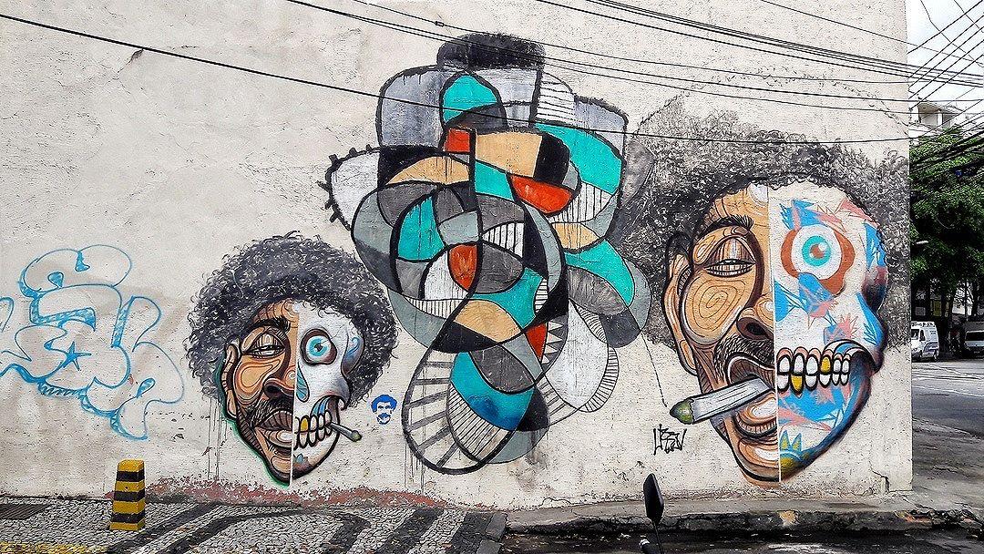 #StreetArtRio  Grafite na rua Conde de Bonfim, próximo à esquina com a Rua dos Araújos, na Tijuca. Artistas: Garvey (@garveytattoo), Menega (@joaomenega) e Bandeira (@__bandeira__) Coletivo NAVIU ( #naviu) Tirada em 20/01/2017 ____________________________________  Quer conhecer mais obras destes artistas e de tópicos relacionados? Explore mais em: #g021_garvey #g021_menega #g021_bandeira #g021_naviu