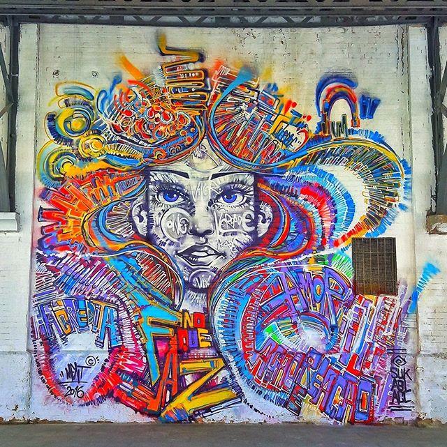 #StreetArtRio  Grafite no Boulevard Olímpico, na Gambôa. Artista: Ment (@marceloment) Tirada em 26/08/2016 ____________________________________  Quer conhecer mais obras deste artista e de tópicos relacionados? Explore mais em: #g021_ment