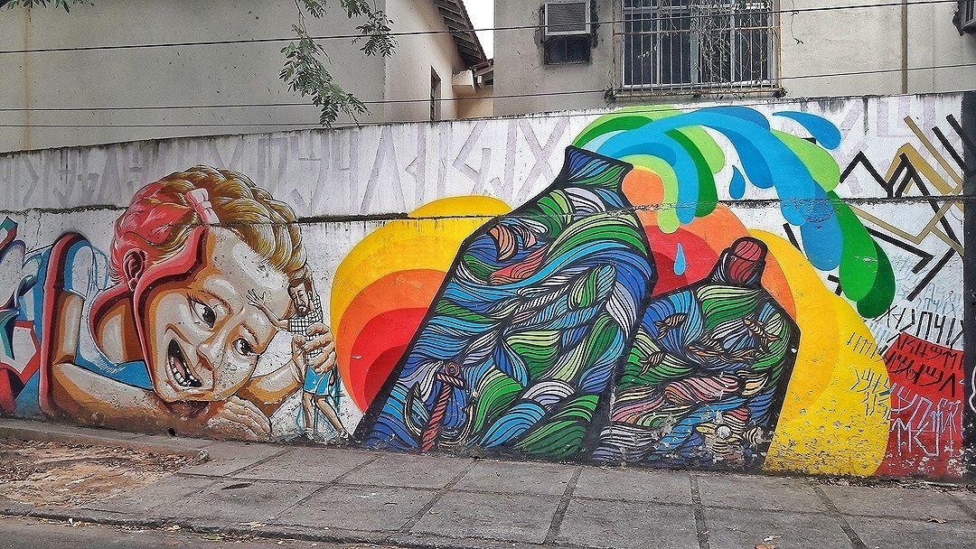 #StreetArtRio Grafite nos muros do CAp UFRJ, na Lagoa. 1/3 Artistas: Tmotz (@themoteo), Big (@brunobig) e Joana Cesar (@joanacesar) Tirada em06/09/2016 ____________________________________  Quer conhecer mais obras destes artistas e de tópicos relacionados? Explore mais em: #g021_tmotz #g021_big #g021_joanacesar #g021_grafiteiras #g021_不明