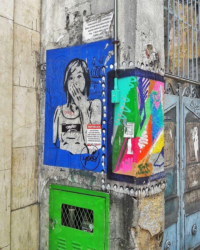 #StreetArtRio  Grafites na Rua do Riachuelo, próximo à esquina com a Rua dos Inválidos, no Centro.  Artistas: Joint (@joint_ttk), JCS (@josue_jcs) e Hiran (@rafaelhiran) Tirada em 14/01/2017 ____________________________________  Quer conhecer mais obras destes artistas e de tópicos relacionados? Explore mais em: #g021_joint #g021_jcs #g021_hiran #g021_stencil