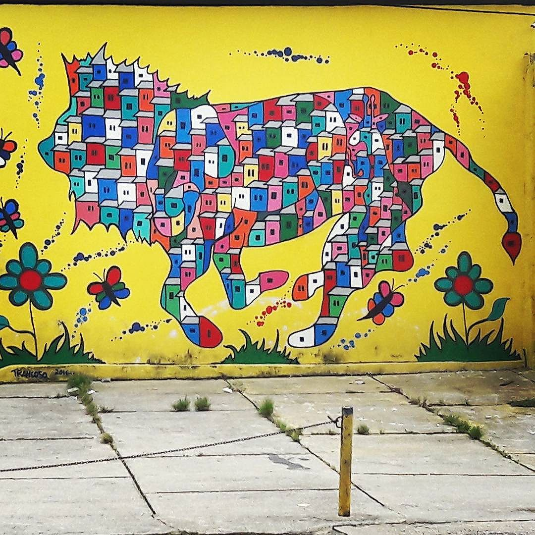 The colorful lion and the jungle #streetArtRio #Art #Rio #street #Rio #errejota #suburbio