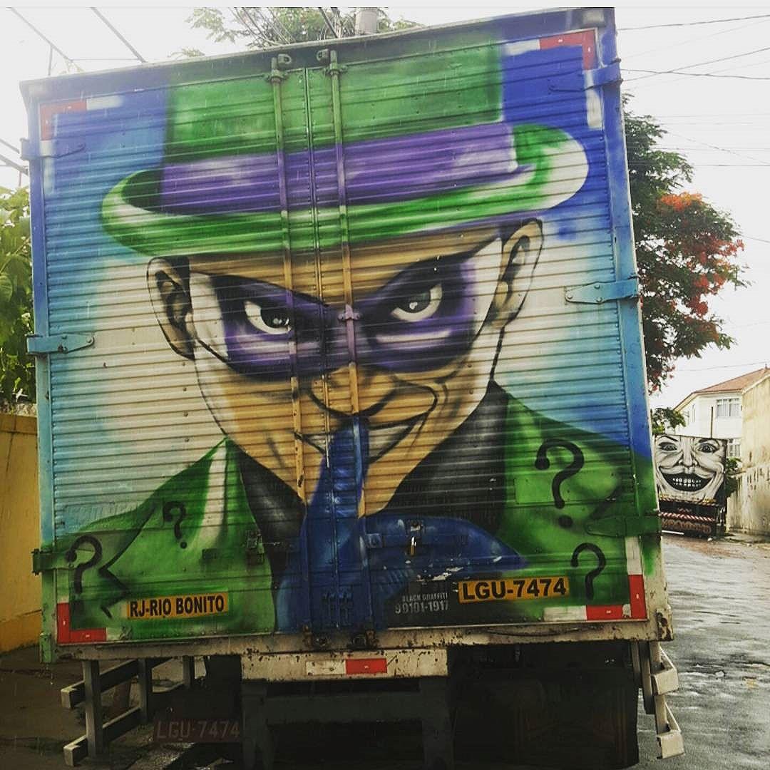 Truck Charada  #olharever #pelasruasdoriodejaneiro #truck #art #artepelasruas #pintura #paint #paintart #graffiti #graffitiart #graffitipaint  #spray #sprayart #sprayartist #streetartverywhere #streetartlovers #instagrafite  #streetartrio #StreetArtRio #streetartofficial #streetstyle #streetartistry #streephotography #urban #urbanart #urbanstreetart #mural #muralart
